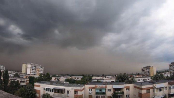 IMAGINI INCREDIBILE. O furtună de praf a acoperit oraşul Craiova în doar câteva secunde (VIDEO)