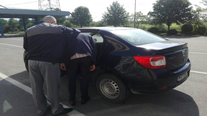 Un moldovean, dat în căutare de autorităţile din Austria, a fost reţinut la Albiţa