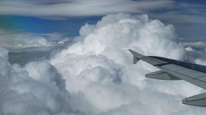 """""""A fost înfricoșător!"""" Un avion a aterizat de urgență pe o plajă din Marea Britanie (FOTO)"""