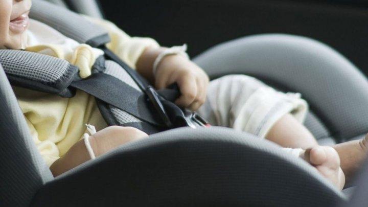 AVERTISMENT DUR: Copiii lăsaţi în maşini, la soare, pot MURI în doar o oră
