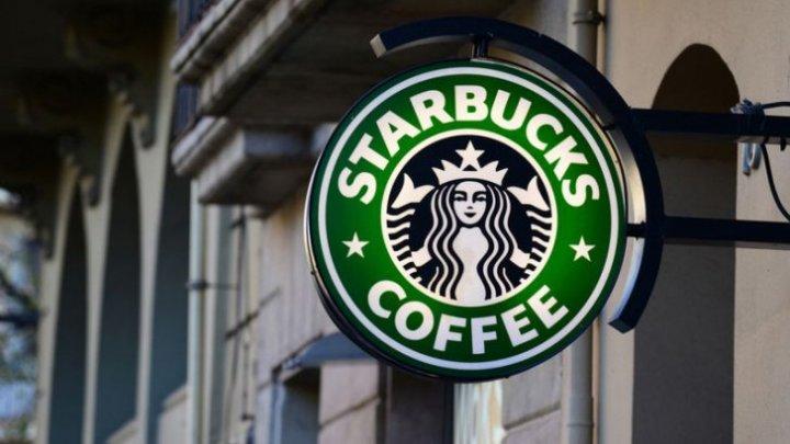Starbucks îşi închide toate cele 8.000 de cafenele din SUA. Motivul este unul neobişnuit