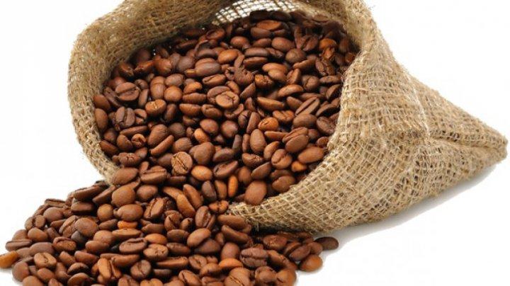 Explozie pe piața internațională! Preţul cafelei a atins cel mai scăzut nivel din ultimele 29 de luni