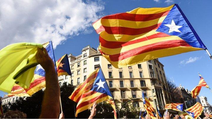 Ani grei de închisoare pentru politicienii și activiștii implicați în referendumul pentru independenţa Cataloniei