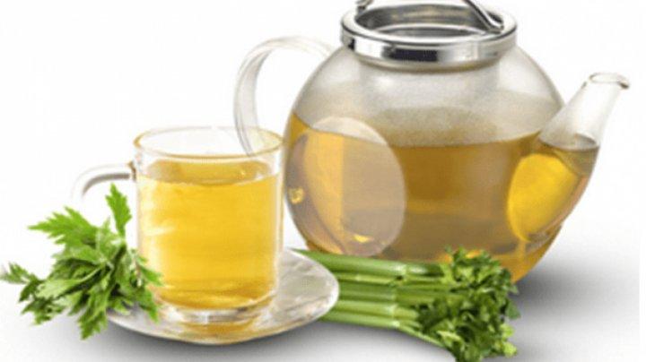 BINE DE ŞTIUT! Ceaiul de țelină elimină excesul de apă și arde mai eficient grăsimile