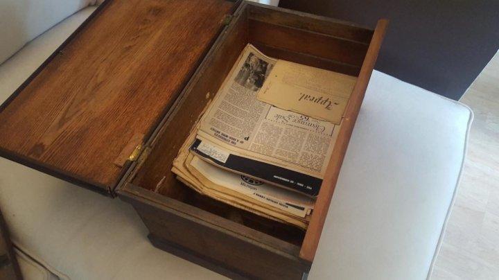 Descoperire UIMITOARE! Ce a găsit o femeie în dulapul bunicului, după ce acesta a murit (FOTO)