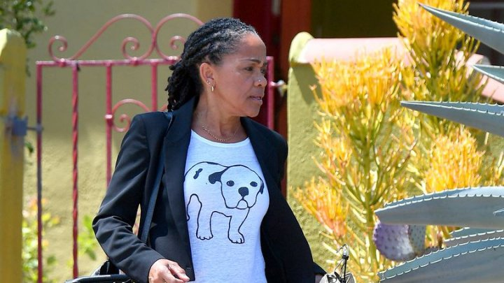 Meghan Markle va fi condusă la altar de mama ei, Doria Ragland