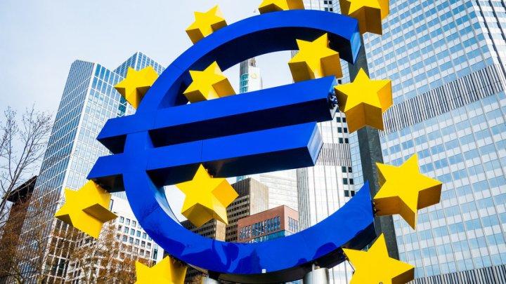 Cele două partide populiste din Italia doresc să forțeze ieșirea ţării din zona euro