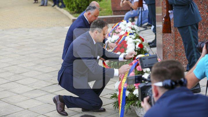 Andrian Candu de Ziua Victoriei şi a Europei: Ne dorim pace, ne dorim ca nici o mamă să nu verse lacrimi (FOTO)