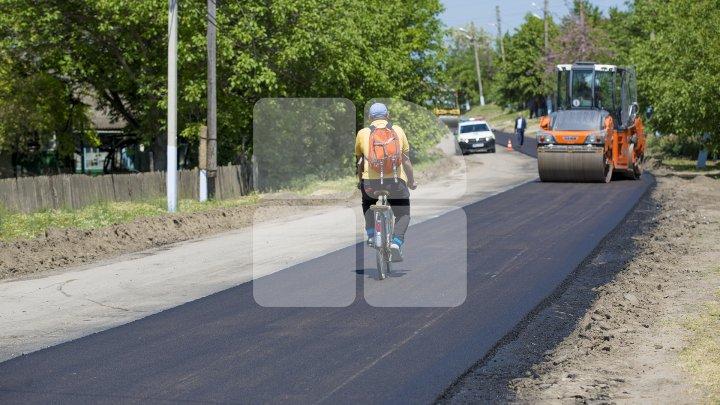 Programul Drumuri bune pentru Moldova: Încă trei sate din raionul Cimişlia se bucură de şosele renovate