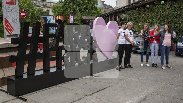 Fără frică de iubire. Ce părere au moldovenii despre relaţiile netradiţionale