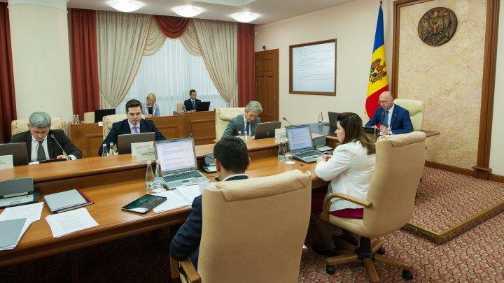 Guvernul a aprobat un nou regulament pentru desfășurarea concursului Premiul Naţional