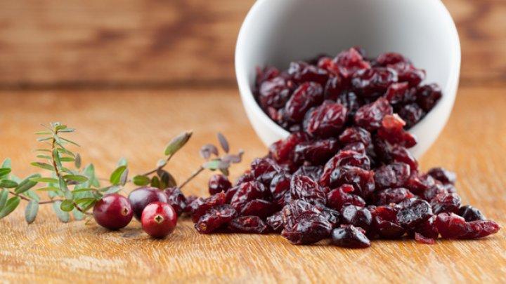 Ceaiurile din fructe uscate pot afecta puternic dantura. Cum se explică aceasta