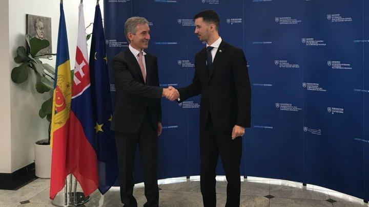 Iurie Leancă s-a întâlnit cu secretarul de stat din cadrul Ministerului pentru Afaceri Externe şi Europene al Republicii Slovacia, Lukáš Parízek