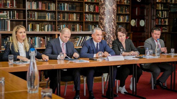 Președintele PDM, Vlad Plahotniuc, invitat de onoare la evenimentul organizat de Institutul Regal pentru Servicii Unite din Marea Britanie