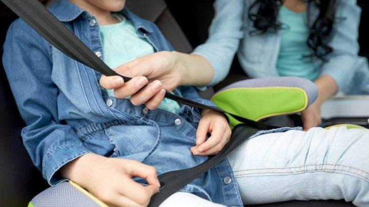 VESTE BUNĂ! Va fi lansată o platformă web de donare a scaunelor auto pentru transportarea copiilor