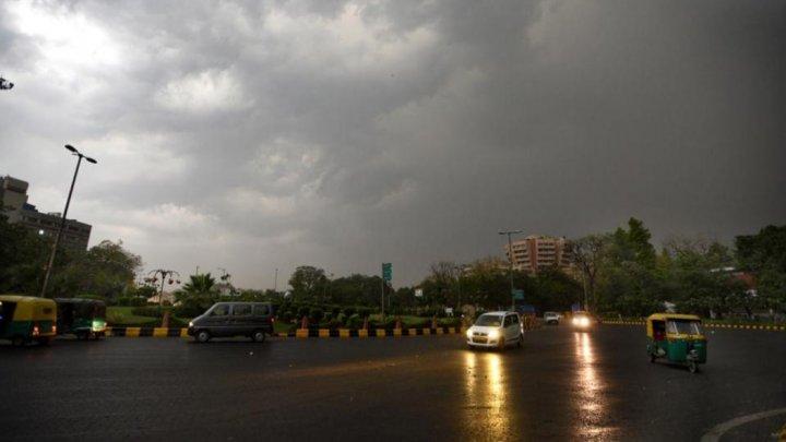 Furtunile devastatoare din India au luat viaţa a cel puţin 41 de persoane