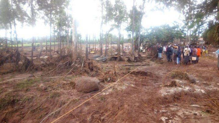 Caz terifiant în Kenya. Zeci de morţi şi dispăruţi după ce un baraj s-a rupt