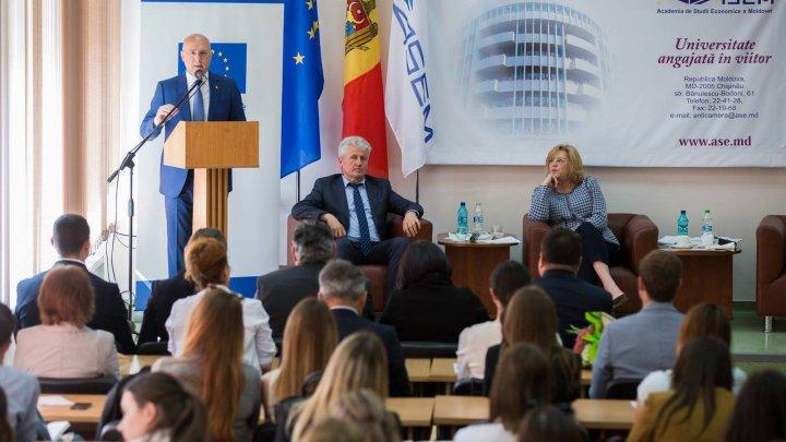 Relaţia Republica Moldova - UE, pe înţelesul studenţilor. Pavel Filip şi Corina Creţu au ţinut o lecţie deschisă la ASEM (VIDEO)