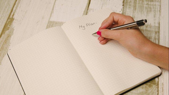Trebuie să ştii! Ce înseamnă dacă scrii cu litere mari