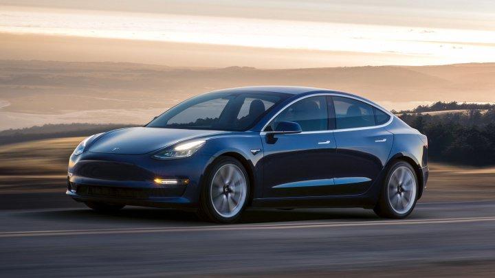Tesla, probleme de tehnice la producția noului Model 3. Anunţul făcut de Elon Musk