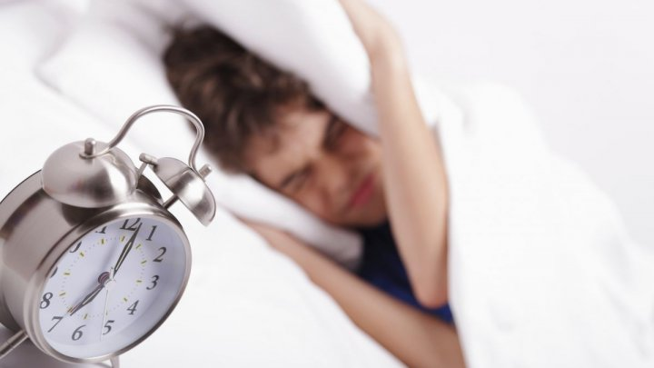 STUDIU: Ora la care ne culcăm ar putea fi influențată de inteligența noastră