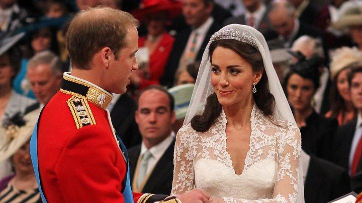 Cum au evoluat rochiile de mireasă din Casa Regală a Marii Britanii în ultimele două secole (FOTO)
