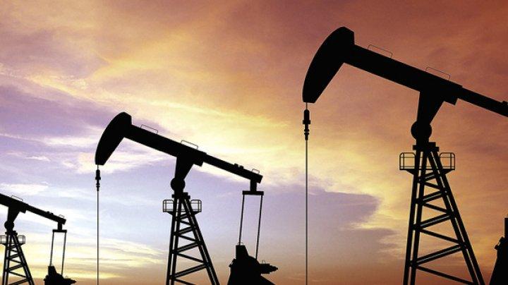 Preţul barilului de petrol pe piaţa din SUA a depăşit pragul de 70 de dolari