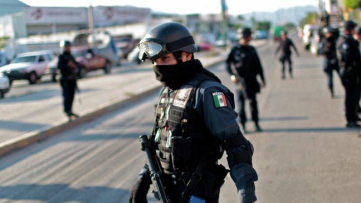 Furt de petrol în Mexic: 185 de poliţişti, suspectaţi de legături cu crima organizată, suspendaţi din funcţie