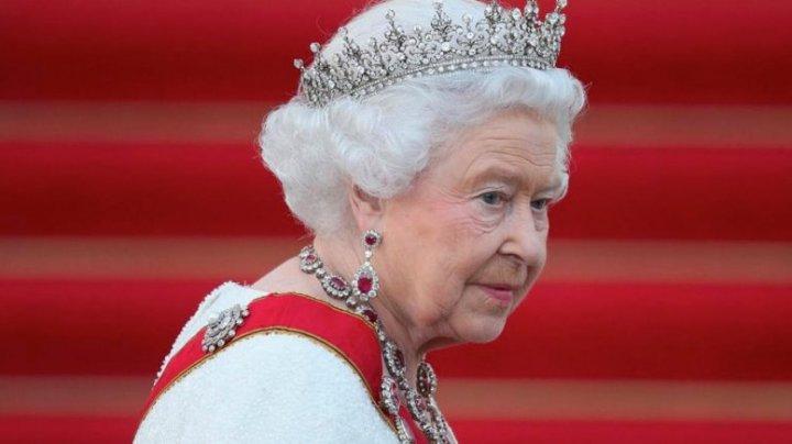 Regina Elisabeta, FURIOASĂ pe tatăl lui Meghan Markle. Ce măsuri va lua suverana