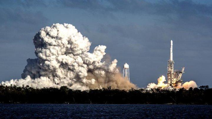 SpaceX a lansat cea mai puternică rachetă creat de companie