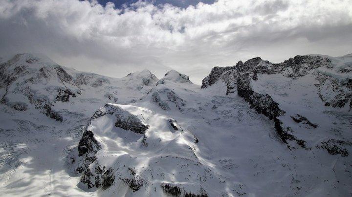 Patru excursionişti şi doi alpinişti au murit în Alpii elveţieni din cauza vremii nefavorabile