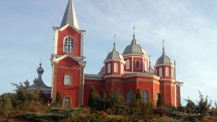 Colț de rai la Cimișlia. Istoria mănăstirii Zloți care a renăscut din ruine după cel de-al doilea război mondial