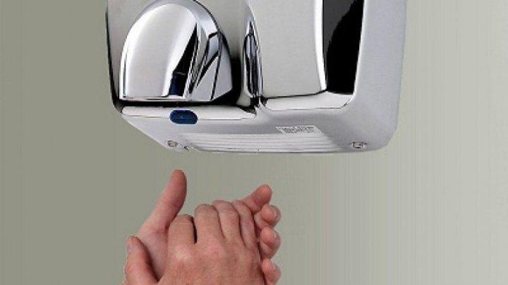 Bine de știut! Cum îți pun sănătatea în pericol uscătoarele de mâini