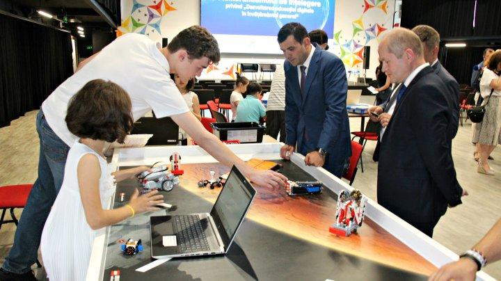 Chiril Gaburici: Educația digitală este o prioritate pentru o societate modernă, care trebuie să fie competitivă într-o economie digitală globală