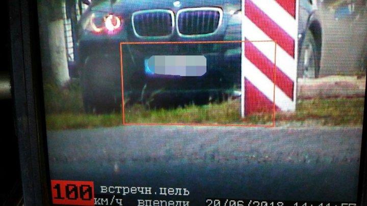 Şofer cu BMW, aproape de COMĂ ALCOOLICĂ. Circula cu 100 KM/H pe străzile din Drochia (FOTO)