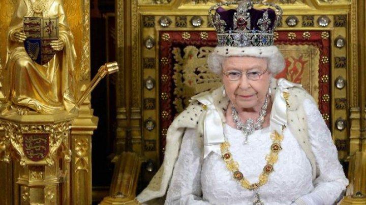 Sărbătoare în Familia Regală Britanică. Regina Elisabeta a II-a celebrează cea de a 67-a aniversare a ascensiunii la tron