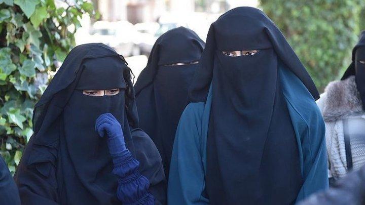 Guvernul Elveţiei a respins legea care interzice burka