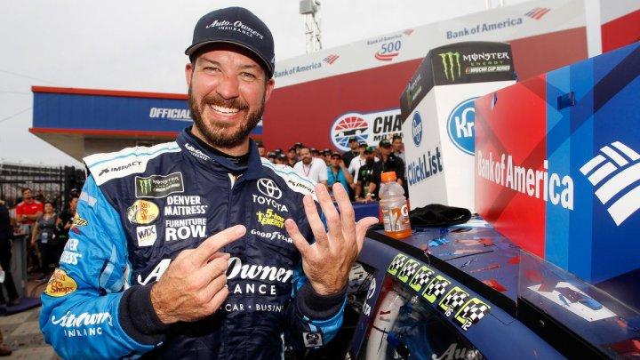 Martin Truex a triumfat în cea de-a 16-a etapă a sezonului de NASCAR