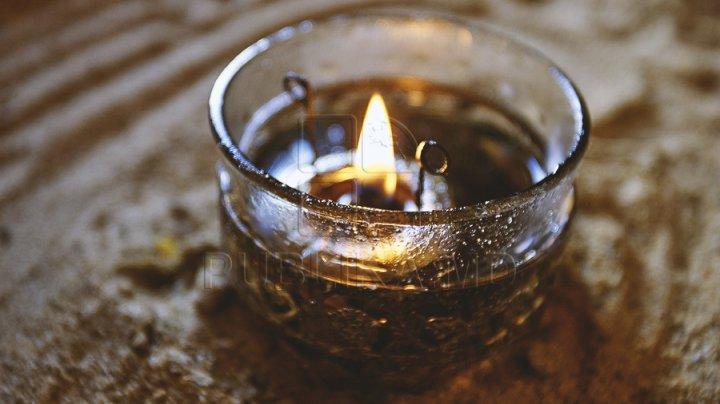 Moldoveanul stropit cu oțel topit la o oțelărie din Padova a murit. O fetiţă a rămas orfană de tată