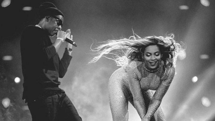 Imagini intime cu Beyonce și Jay-Z. Cum au fost surprinşi cei doi (FOTO)