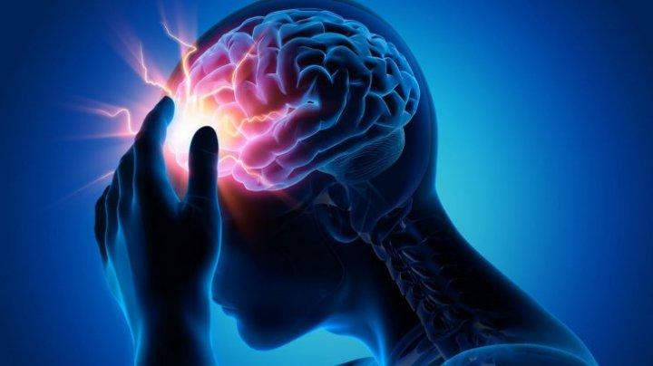 MARE ATENŢIE! Accidentul vascular cerebral: cum îl poţi detecta rapid. Aşa poţi salva viaţa cuiva