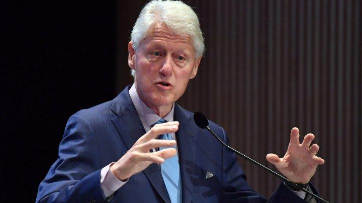Fostul preşedinte american Bill Clinton a lansat primul său roman. Despre ce este cartea