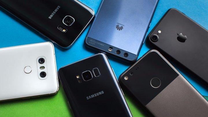 """Lista smartphone-urilor care NU au eticheta """"made in China"""""""