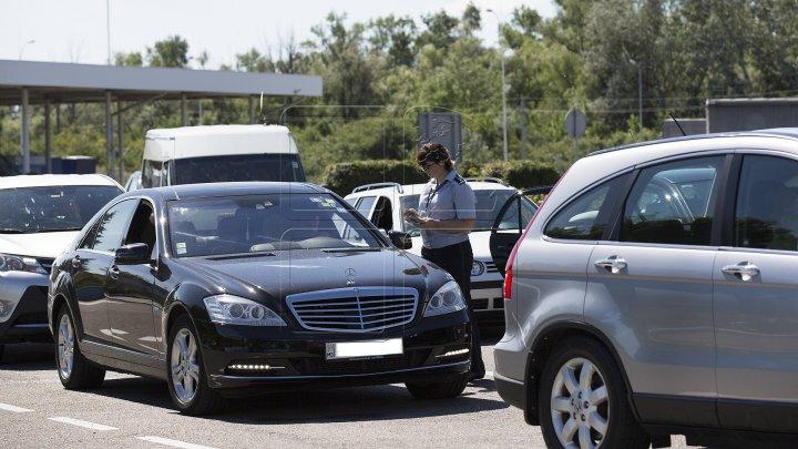 RECOMANDĂRI pentru moldovenii care pleacă în vacanţă peste hotare, în special cei cu minori