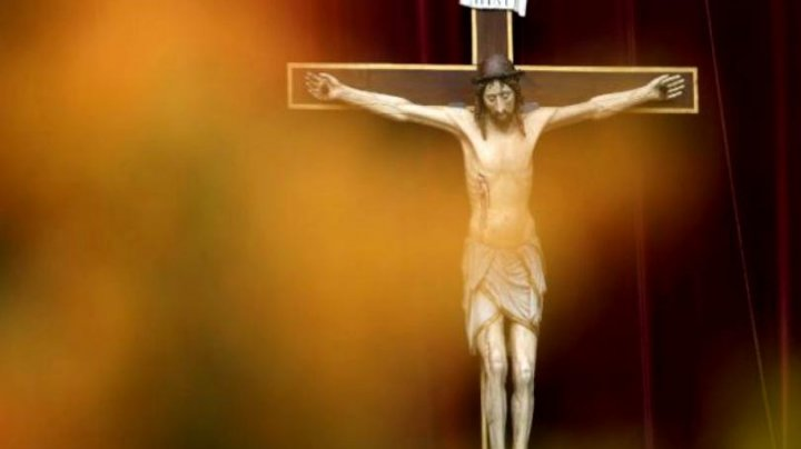 Bavaria introduce o lege prin toate clădirile publice sunt obligate să aibă crucea creștină la intrare