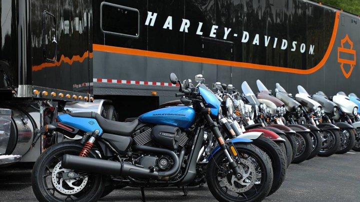 Donald Trump a criticat Harley-Davidson pentru intenţia de a muta producţia sa în UE