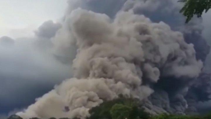 Bilanţ sumbru în Guatemala. Peste 70 de persoane au murit, iar operaţiunile de căutare continuă în urma erupţiei vulcanului Fuego