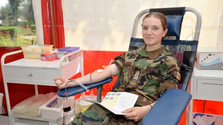 Militarii Armatei Naţionale s-au alăturat campaniei de donare de sânge