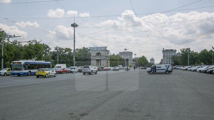 Protestul din Capitală ar avea interese politice. Protestatarii s-au lăsat greu convinși să discute cu ANRE (FOTO)