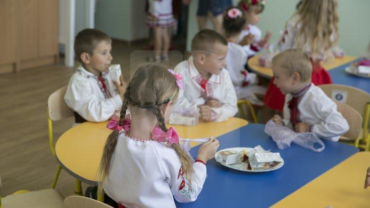 VESTE BUNĂ! Alocațiile bugetare pentru alimentația copiilor și elevilor vor fi majorate, începând cu 1 septembrie